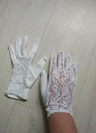 Коротуие винтажные перчатки с кружевом