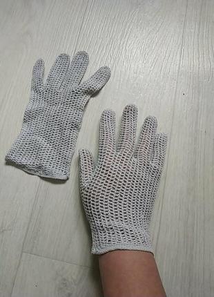 Винтажные вязаные крючком перчатки