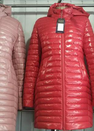 Шикарные курточки с эфеком лака, размерчик 56, бомбезные расцветки.