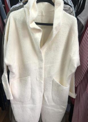 Шикарнве пальто,кардиган плотный,альпака, люкс качество,размер универсальный 46-50.