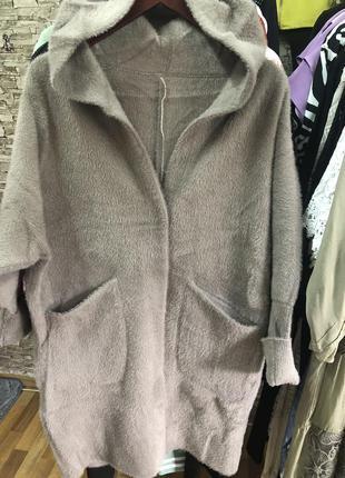 Пальто,кардиган плотный альпака, люкс качество, размер универсальный,на ог до 118-120.