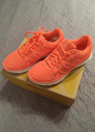Красивенные персиковые кроссовки karrimor  для фитнеса, бега. тренажёрного зала