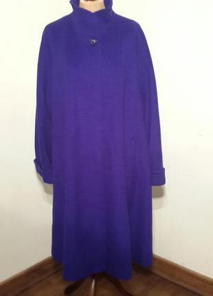 Демисезонное пальто – трапеция немецкого производителя christian.
