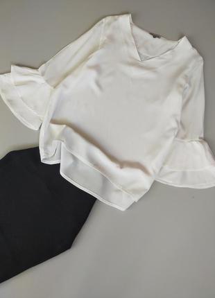 Белоснежная качественная блуза с рукавами воланами buena vista