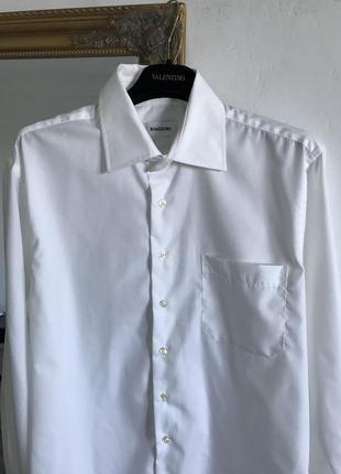 Белая хлопковая рубашка классическая оверсайз с карманом u11
