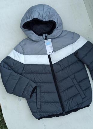 Гарна тепла куртка primark для хлопчика