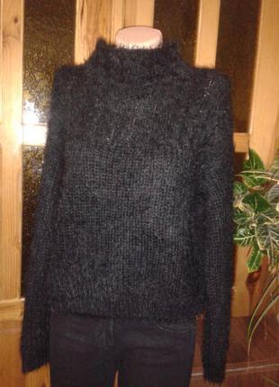 Черный свитер оверсайз укороченный