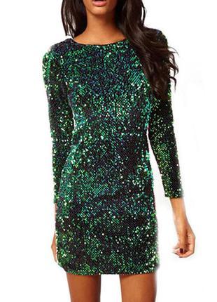 Короткое платье декорированное зелеными пайетками
