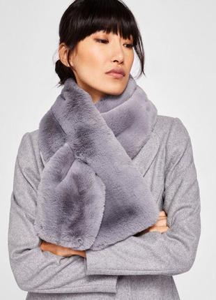 Новый серый меховой шарф , платок пушистый меховой ted baker оригинал!