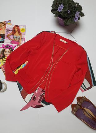 Стильний червоний піджак з замочками фірми miranges розмір m.