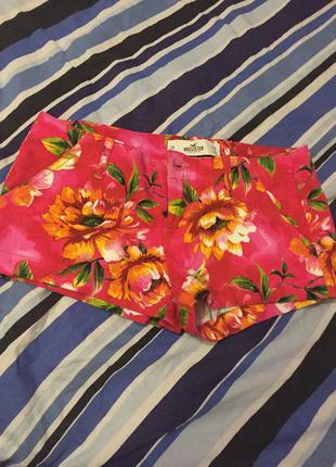 Новые шорты hollister 26 в цветочный принт