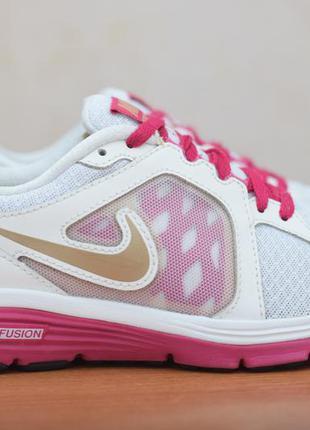Белые женские кроссовки nike dual fusion run, 37.5 размер. оригинал