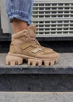 Высокие женские кроссовки бежевые