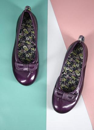 Стильные детские туфли, балетки фиолетового цвета. размер eur34.