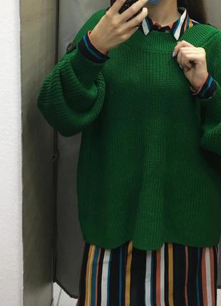 Вязаный яркий зелёный оверсайз свитер с пуговицами объемные рукава