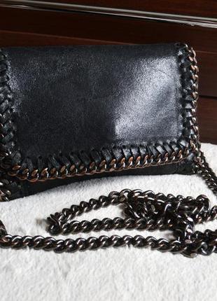 Кожаная сумка на цепочке. натуральная кожа