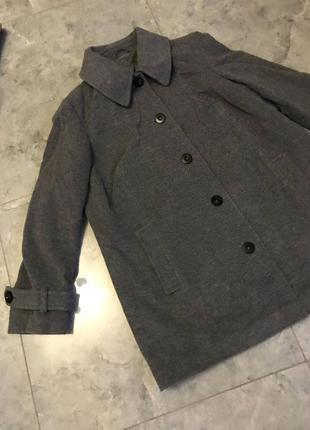 Срочная распродажа! новое серое короткое пальто с пуговицами и карманами