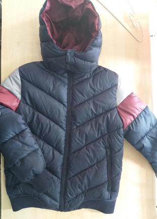Зимняя куртка 140 р.