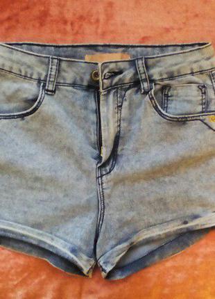 Шикарные джинсовые шорты с высокой посадкой !!! просто mast have !!