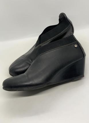 Аккуратные туфли деми 39р