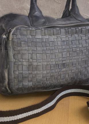 Великолепная сумка из натуральной кожи