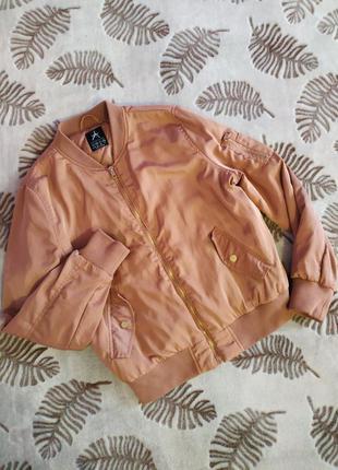 Жіноча куртка бомбер
