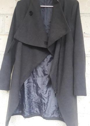 Демисезонное пальто италия 42-44-46