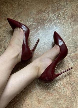 Шикарные туфли лодочки, натуральная кожа, christian louboutin оригинал!