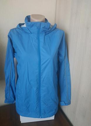Якісна жіноча куртка вітрівка/дощовик з капюшоном charles voegele/качественная женская куртка