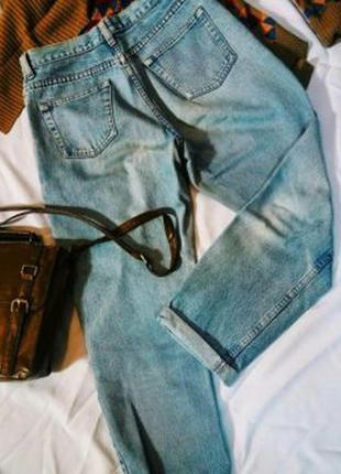 Джинсы с завышенной талией (mom jeans)