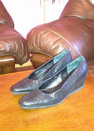 Кожаные туфли на танкетке peter hahn 37-38р