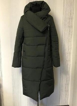 Зимнее пальто-одеяло,обьемный воротник,отличное качество.