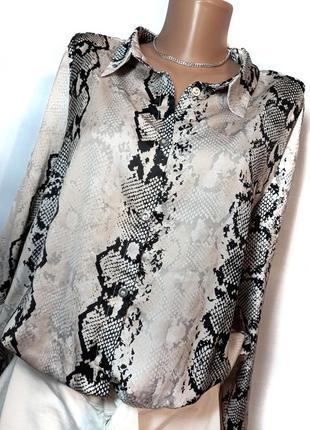 Красива блуза під атлас  розмір л  стан ідеальний  пог 57 см