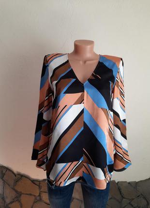 Шикарна блузка дорого бренду