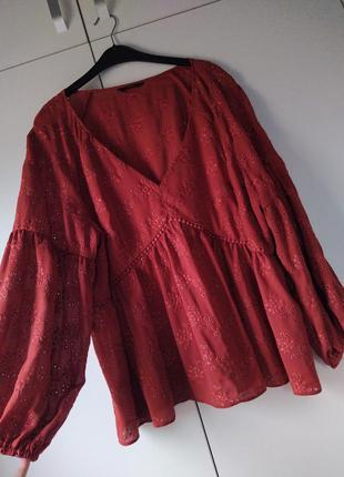 Тренд: розкішна блуза великого розміру