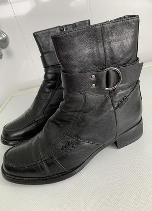 Кожаные ботинки на натуральном меху