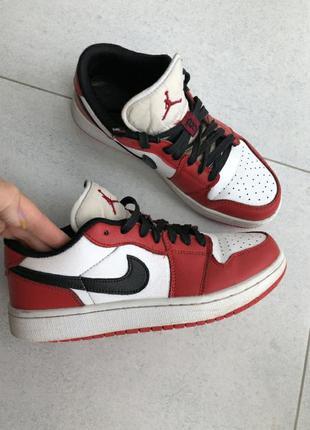Jordan 1 low black toe, mid, dunk, force og