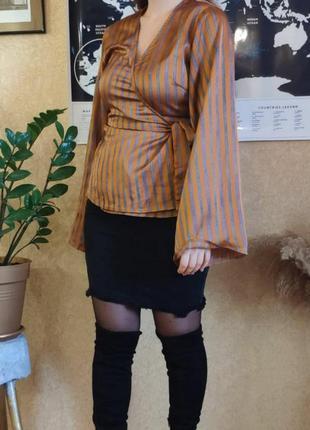 Блузка в полоску с раклешкнными рукавами на запах