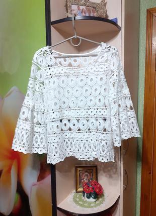 Кружевная блуза с пышными рукавами
