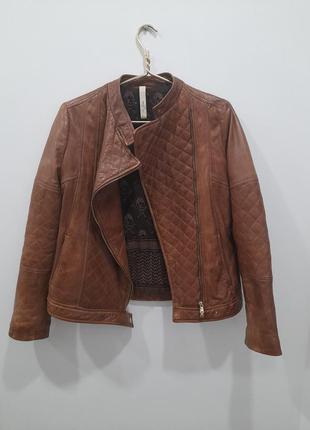 Шкіряна куртка косуха демісезонна