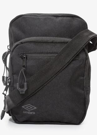 Новая сумка umbro derwen black через плечо