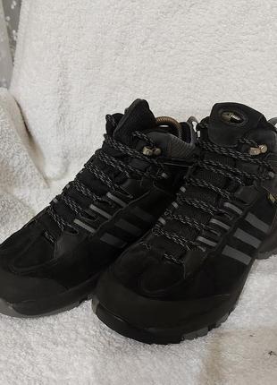 Сапоги ботинки adidas climaproof 36p черные