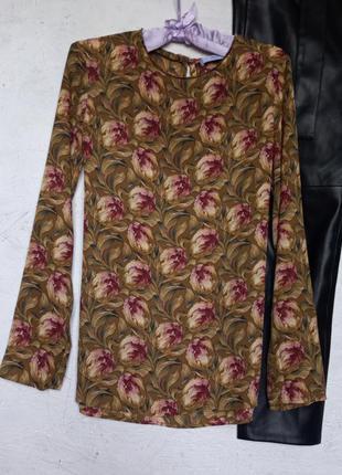 Стильный топ блуза блузка в цветочный рисунок принт с разрезами по бокам от mango