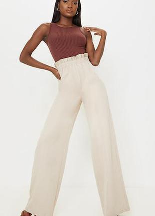 Высокие брюки со сборками на талии и высокой талией