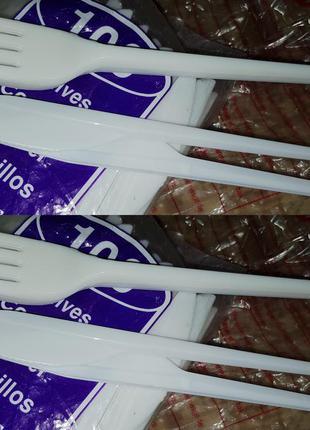 Набір виделок та ножів пластик нові 129шт