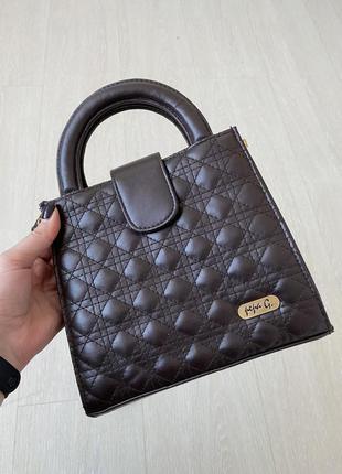 Стильна стьогана сумка в шоколадному колярі zara
