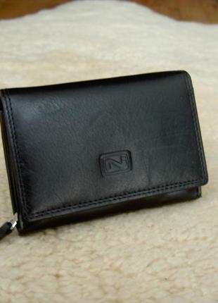 Компактный кожаный кошелек niche