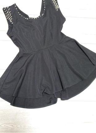 Шикарная удлиненная блуза с баской с шипами