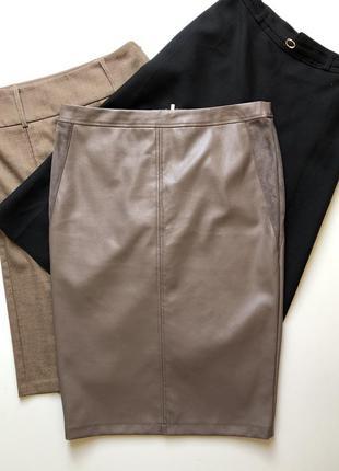 Очень красивая юбка английского бренда f&f из эко кожи цвета тауп