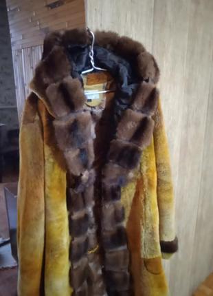 Пальто из мутона и норки.